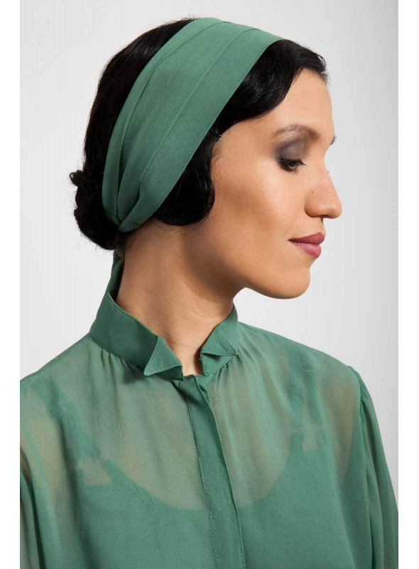 Garland Headpiece in Emerald by Tilda Knopf