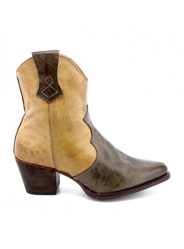 Baila Leather Ankle Cowgirl Boots in Cashew Rustic