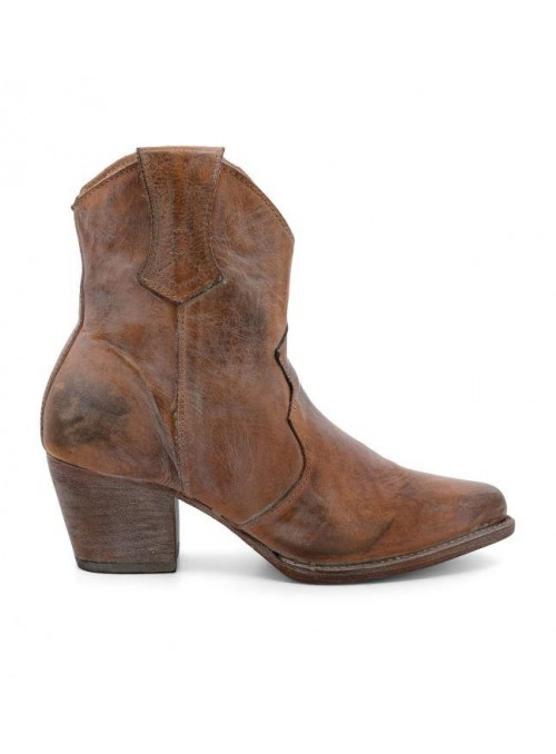 Baila Leather Ankle Cowgirl Boots in Rustic