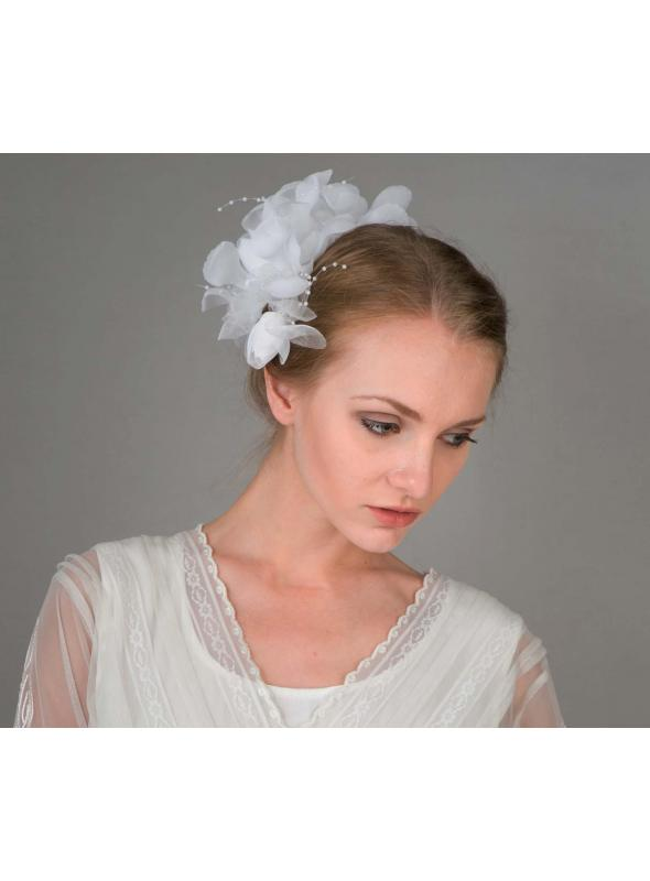 Chiffon Rose Cluster Clip in White