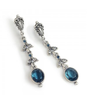 Victorian Elegant Earrings in Blue